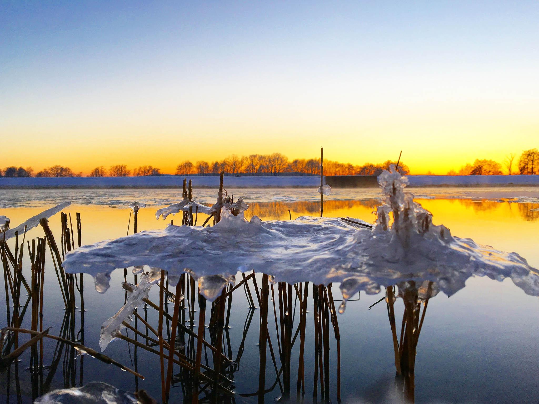 Wintercamping am Main-Donau-Kanal nahe Nürnberg.